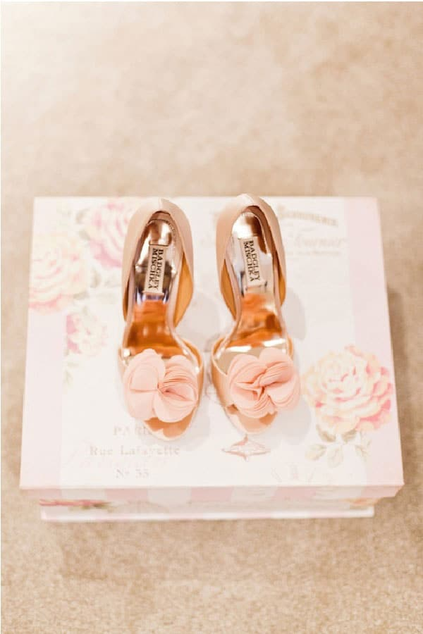 3.mariage-rose-et-blanc-chaussures-mariee