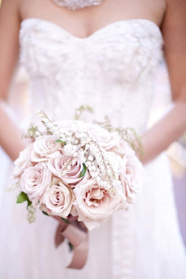 photo-de-bouquet-de-roses-poudre