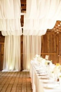 decoration-plafond-mariage-drapees