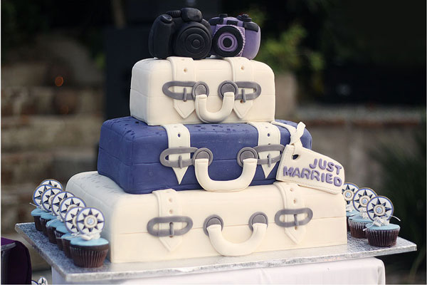 theme-voyage-wedding-cake