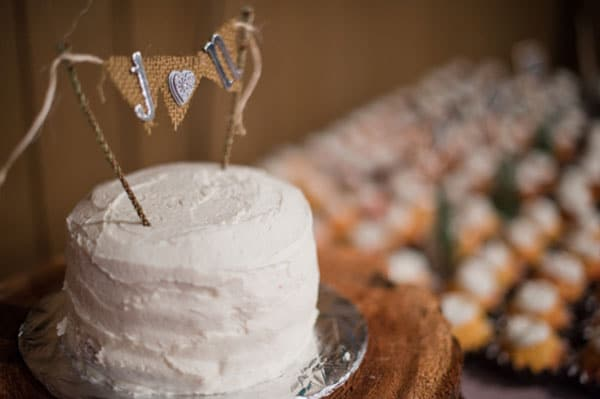 10.mariage-theme-noel-wedding-cake-blanc