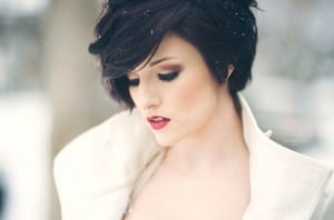 4.coiffure-mariee-cheveux-court-carre