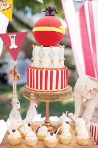 deco-fete-foraine-wedding-cake