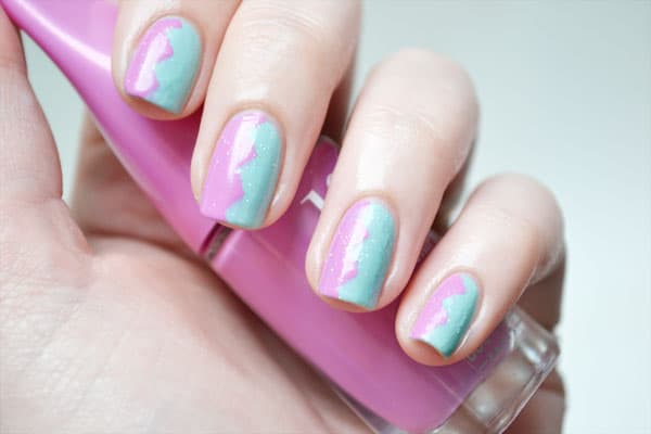 tuto-nail-art-facile-avec-du-scotch-zig-zag