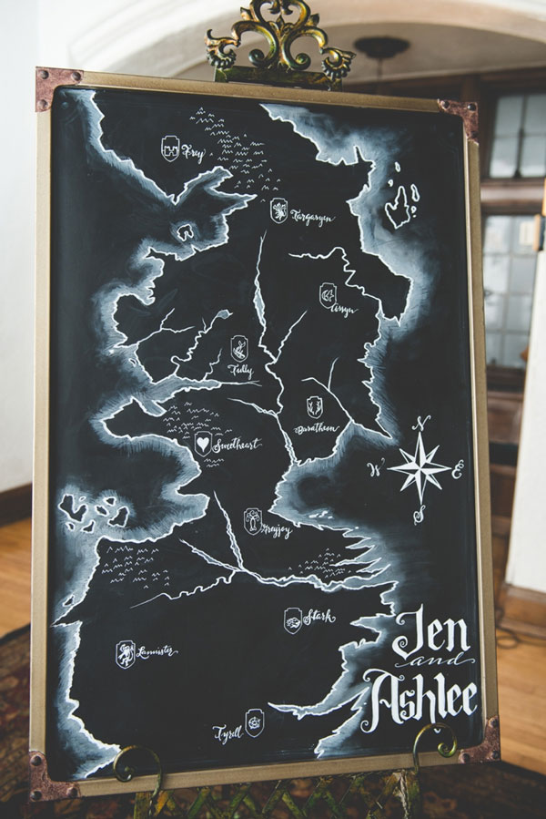 7.mariage-insolite-theme-game-of-thrones-plan-de-table