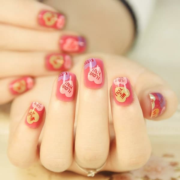 7.nail-art-saint-valentin-rose