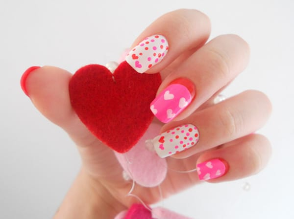 9.nail-art-saint-valentin-rose