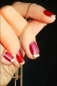 10.nail-art-rouge-french-manucure