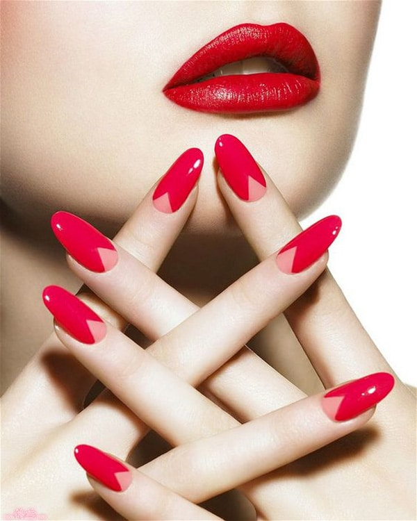 12.nail-art-rouge-triangle