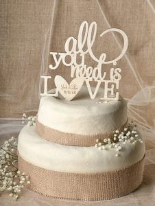 6.cake-topper-mariage-all-you-need-is-love