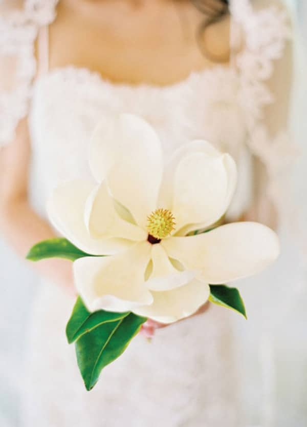 4.bouquet-mariee-simple-magnolia